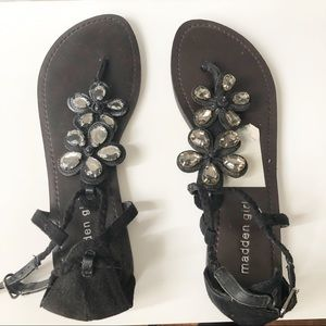 Madden Girl Amithyst  Black Fabr Sandals. 7.5